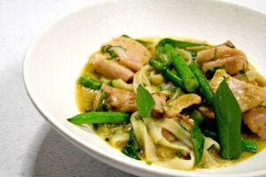 תבשיל קארי ירוק עם פרגית
